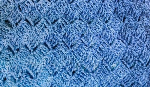 Callatis - free C2C triangle shawl stitch detail